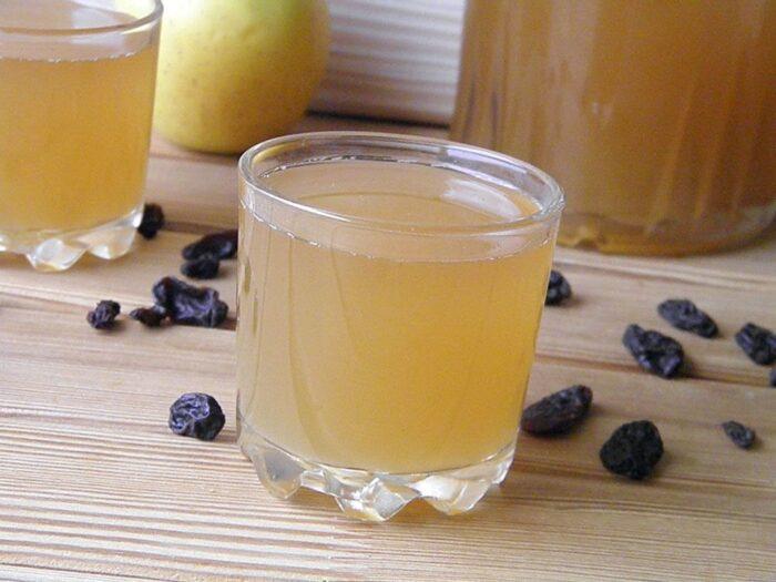 квас из березового сока с сухофруктами для длительного хранения зимой фото