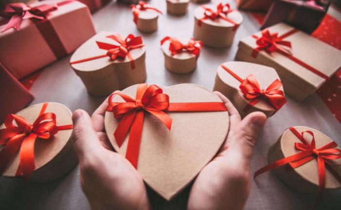 Подарки и поздравления ко дню святого Валентина